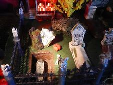 Halloween DISPLAY Platform CEMETERY Graveyard VILLAGE Open-Closed GRAVES Dept 56