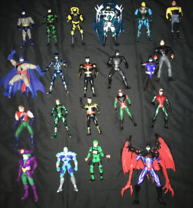 BATMAN ROBIN DC COMICS 20 ACTION FIGURE LOT WEAPONS ACCESSORIES VINTAGE 90s RARE