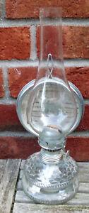 Petroleumlampe mit Flachbrenner und transparenter Glasvase unbenutzt