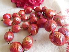Collier vintage perle rouge rosé irisé texturé