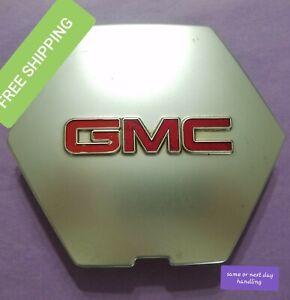 GMC 2004 - 2007 Envoy XL OEM Center Cap Part #: 9594597  lot#2