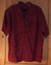 Patagonia Burgundy Monochromatically Embroidered Short Sleeve Shirt, Men's M