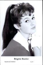 Beautiful Actress BRIGITTE BARDOT 72/19 Swiftsure 2000 Postcard GREAT QUALITY