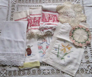 VINTAGE MIXED LOT OF LINENS