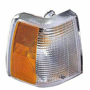 Passenger Side Right RH Park Signal Lamp Lens/Housing fits 1993 1997 Volvo 850