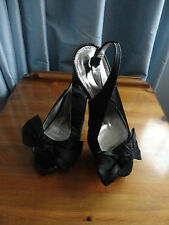 LADIES BEAUTIFUL HIGH HEELED  SHOES BY DOROTHY PERKINS SIZE 7..PERFECT CONDITION