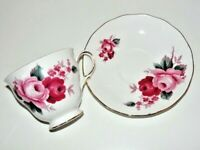 VTG Queen Anne 8523 Tea Cup & Saucer Bone China England Footed Floral Gold Trim