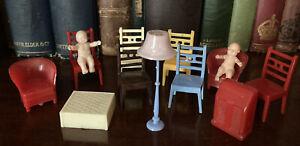 Lot Of Miniature Doll House Furniture - Kleeware 1:16 1950s Babies, Lamp etc.