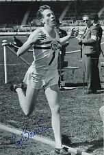 Roger Bannister 4 Minute Mile Race Hand Signed Photo 1
