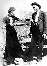 Bonnie and Clyde 8x10 photo 1933 Bank Robbers (B)