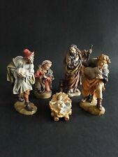 Große heilige Familie und zwei Schäfer, Holz gefasst bis 17 cm groß