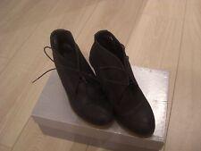 chaussures, bottines, boots en cuir noir compensés neufs ANDRE pointure 36