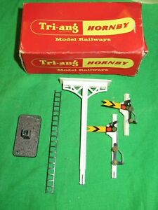 Triang Hornby OO gauge R142D Distant Junction Semaphore Signal VGC in worn box