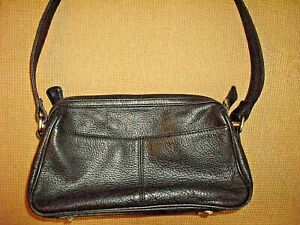 "FOSSIL 1954 75082, 11"" X 7"" X 4"" Black Pebble Leather Purse/Bag Outside Pockets."