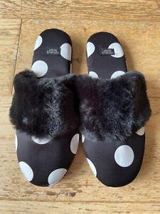 Victoria's Secret signature polka dot faux fur slippers BNWT (small 5-6)
