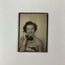Smiling Telephone Girl In The PHOTOBOOTH, Vintage Photo 20521