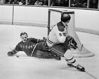 OLD LARGE NHL HOCKEY PHOTO, New York Rangers Gilles Villemure 1973 6