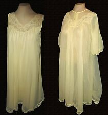 Vintage-1950s 2-PC-set: Robe & Gown, Shadowline, Yellow Lace Embroidery Mint S