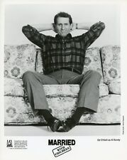ED O'NEILL SITTING ON COUCH PORTRAIT MARRIED WITH CHILDREN 1990 FOX TV PHOTO