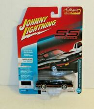 JOHNNY LIGHTNING ~ CLASSIC GOLD ~ 1987 CHEVY MONTE CARLO AEROCOUPE MIP