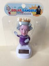Solar Power Swing Dancing Toy British Queen For Home Car Decor Gift