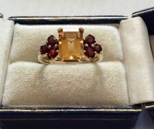 Beautiful Ladies Solid 9 Carat Gold Lovely Citrine & Garnet Ladies Ring 9CT