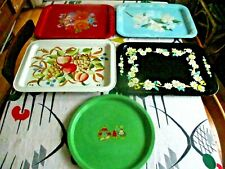 FIVE-PIECE VINTAGE TIN TRAY LOT MID-CENTURY MODERN FLOWERS DUTCH BOY AND GIRL