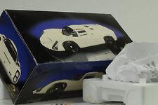 1966 / 1968 Porsche 910 weiss Präsentation 1:18 Exoto
