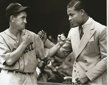 Detroit Tigers Mickey Cochrane Spars With Boxer Joe Louis Boxing Legend MUST SEE