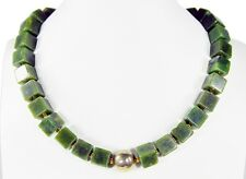 Beautiful Precious Stone Necklace in Nephrite Jade in cube shape