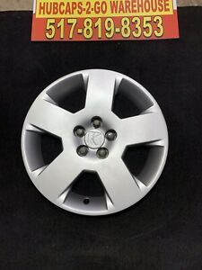 """2007-2010 Saturn Aura 17"""" Oem Hubcap Silver One Used Almost New 9595617"""