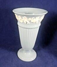 "Wedgwood CREAM COLOR ON LAVENDER PLAIN EDGE) Vase 6 1/2"""
