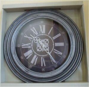18-Inch Contemporary Wall Clock Skytimer Battery Powered Distress Hallway
