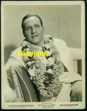 FREDRIC MARCH VINTAGE 8X10 PHOTO WEARING LEI 1938 TRADE WINDS