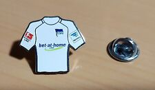 Hertha BSC Berlin Pin Fußball Trikot 2016-2017 Away Bundesliga Hermes Patch