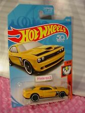 '15 DODGE CHALLENGER SRT #143 US 50✰yellow✰MUSCLE MANIA✰2018 Hot Wheels case G