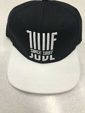 1 CAPPELLO JUVENTUS UFFICIALE NUOVO LOGO CAP OFFICIAL JUVE 2018 BIANCONERO daf40d01598a