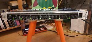 Behringer mx882 Rackmixer 6 Kanäle