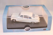 Oxford Code: DS001 Daimler DS420 Old English White 1:43 mint in box