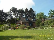 Last minute Seaview Holiday cottage acre garden&tennis ct