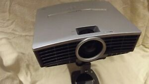Mitsubishi HC100 DLP Projector with mount, scratched on top, working fine