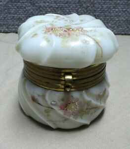 Antique Wavecrest Dresser Jar Trinket Box Original Liner    BS