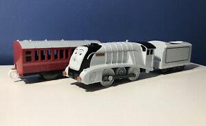 Thomas Trackmaster Spencer Motorized Engine TOMY WITH RARE PASSENGER CAR!!