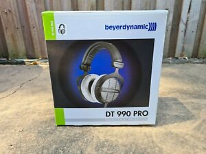 Beyerdynamic DT 990 Pro 250 ohm Professional Headphones Over-ear - Black/Silver