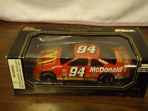BILL ELLIOTT #94 McDonalds 1/24 RC BW Bank w KEY Diecast Car 1995 Ford Thunderbi