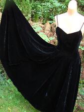 Vintage 50s Dress BLACK VELVET Strapless FULL CIRCLE Rayon ELEGANT XS