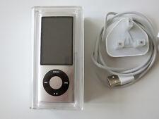 Apple iPod Nano 5th Generazione Argento (8GB) in buonissima condizione-batteria, ma non regge CARICA