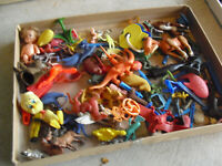Large Lot of Vintage Toy Soldier and Other Figures Toy PArts and More