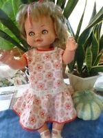 grande et  belle poupée famosa 50cm  des années 60-70??  attend adoption