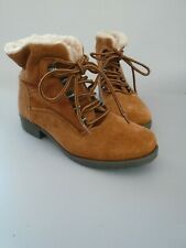 WOMENS SIZE 5 COTTON TRADERS REAL SUEDE  TAN LACE UP FUR LINED  ANKLE BOOTS